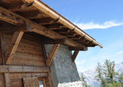 Toiture en pierre lauze • Couverture en pierre, toit en pierre, toit de montagne